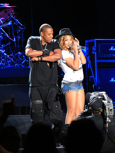 Celeb Candidsjay-Z And Beyonce At Coachella Performing -1537