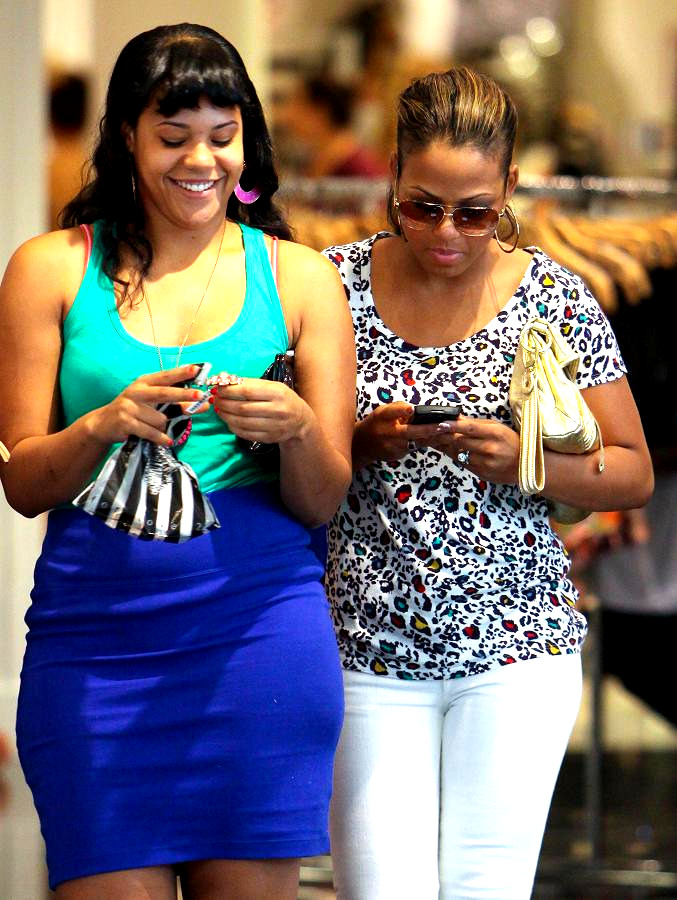 Spotted|Christina Milian and Sister shopping at Wesfield ...